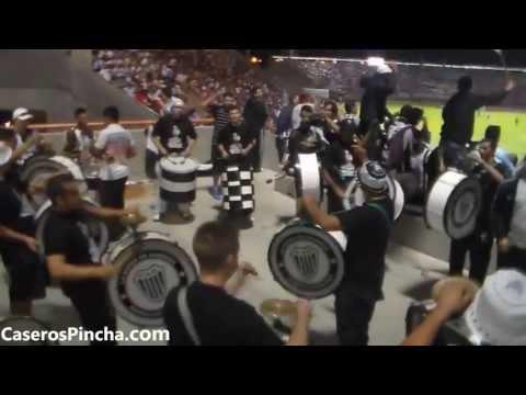 """""""La orquesta de Caseros en la previa vs. River (CaserosPincha.com)"""" Barra: La Barra de Caseros • Club: Club Atlético Estudiantes"""