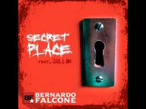 Secret Place (feat. Bernardo Falcone) - Jullie