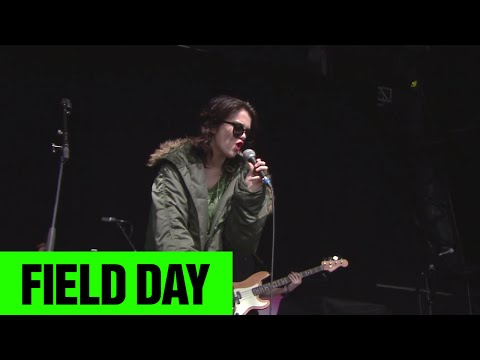 Sky Ferreira - You're Not The One | Field Day 2014 | FestivoTV