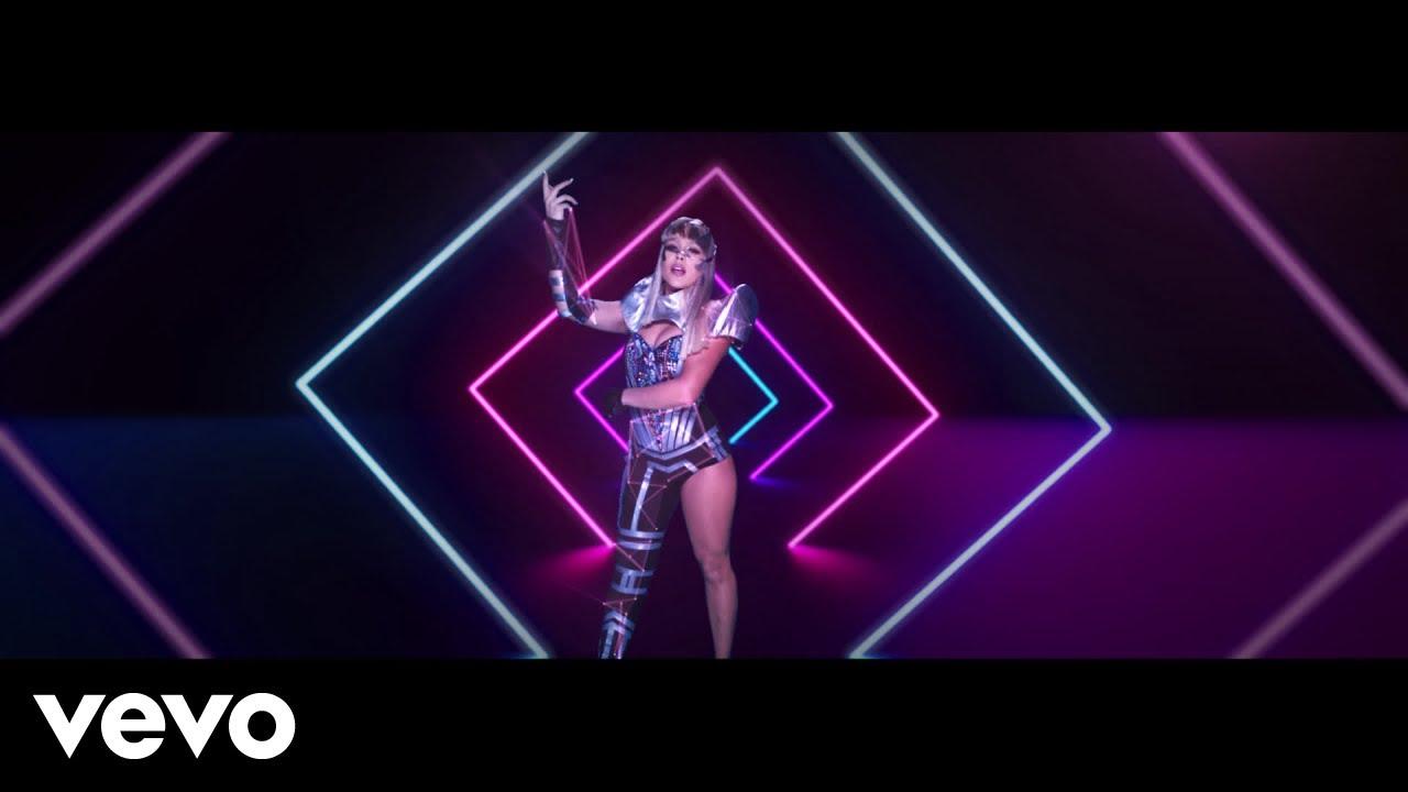 Danna Paola, Sebastián Yatra — No Bailes Sola