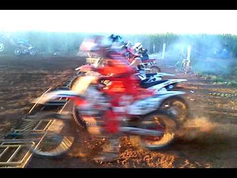 Largada Espetacular do Gabriel no Motocross de Gavião Peixoto.3gp