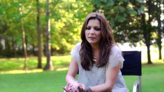 """The Making of """"I'm Gonna Love You Through It"""" - Martina McBride"""