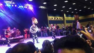 Morra Que Se Cae en el Baile De Gerardo Ortiz Las Vegas.MOV
