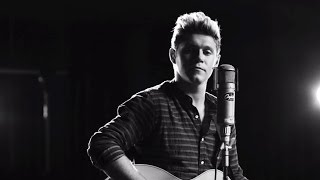Niall Horan Drops Debut SOLO Single This Town