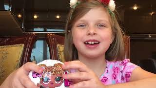 КОНКУРС #LOL РОЗЫГРЫШ ПРИЗОВ! Алиса и Вика открывают шары ЛОЛ Детский канал Ваша Алиса