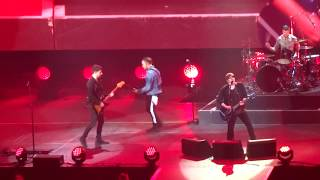"""Fall Out Boy - """"Saturday"""" (Live in San Diego 11-15-17)"""