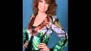 Dottie West - Mama Kiss The Hurt Away