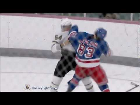 Hubert Labrie vs Shane McColgan