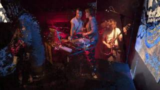 Die like disco – Shaking Godspeed