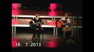 preview picture of video 'Sommerkonzert Gymnasium Starnberg 2013 - Soundscheck - Boulevard of broken dreams'