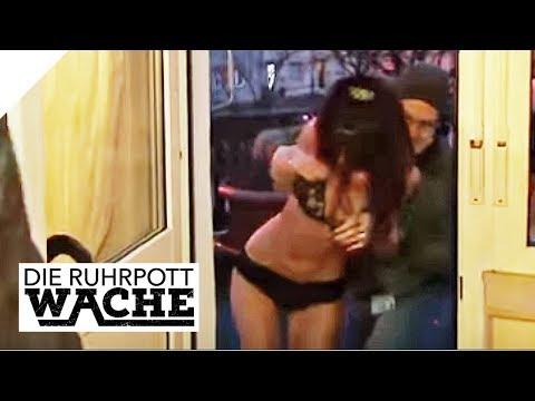Verwirrt und benebelt: Frau ohne Kleidung auf Balkon | Die Ruhrpottwache | SAT.1 TV