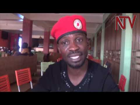 Police blocks Bobi Wine's performance, uses tear gas to disperse his supporters