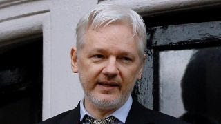 WikiLeaks founder mocks US intel on Russian hack