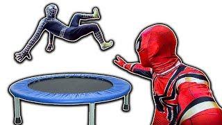 SPIDER-MAN and VENOM trampoline flips | NGƯỜI NHỆN chơi bạt nhún | Jump Arena