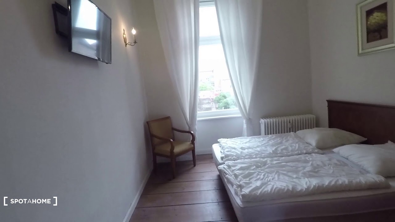 Spacious apartment with 2 bedrooms for rent near Humboldthain in Wedding
