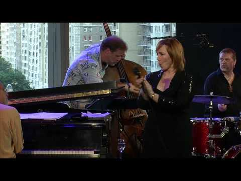 Mama Told Me Not To Come - Roseanna Vitro (The Randy Newman Project)