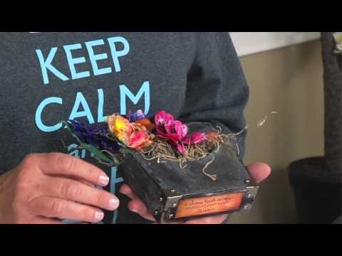 ScoreBoards Die DIY with Eileen Hull:  Make 3-D Flower Pockets