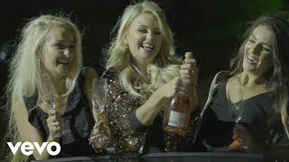Music video by Leah performing Girls Night. © 2020 Inhoud Huis Musiek Kopie Reg (Pty) Ltd, Under exclusive license to Universal Music (Pty) Ltd. [ZA]  http://vevo.ly/HuZIkS