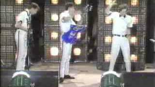 Gates of Steel, Devo live 1980