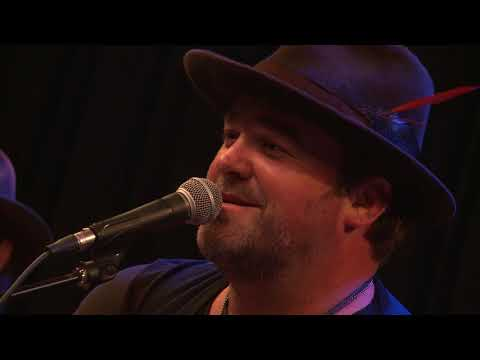 Lee Brice - Songs in the Kitchen (98.7 THE BULL)