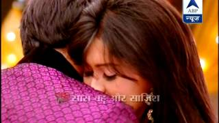 Download Video Raj and Avni sharing some romantic moments MP3 3GP MP4