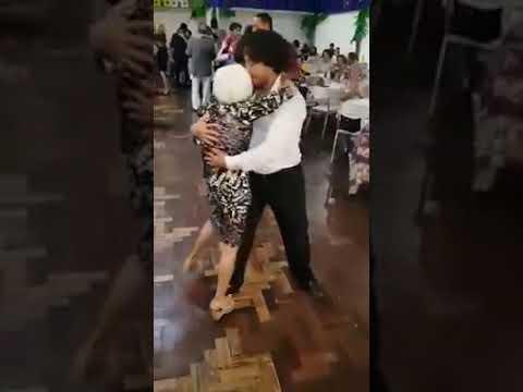 Coppie del sesso su un paio di Saratov