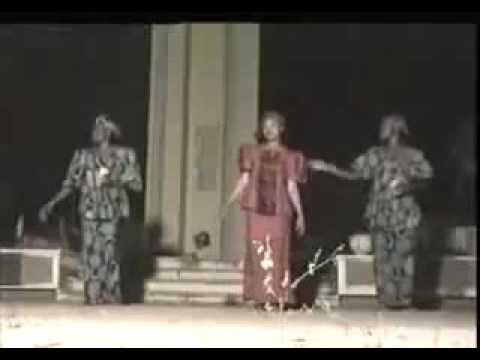 rashin uwa fifitamana shiyi kisanyamini nuna madara Hausa songs