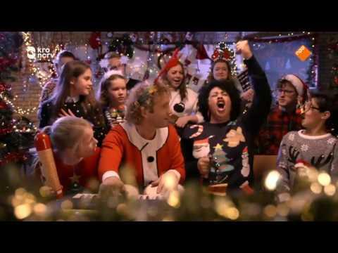 Flevo's Mannenkoor geeft kerstconcert in De Meerpaal samen met Tania Kross