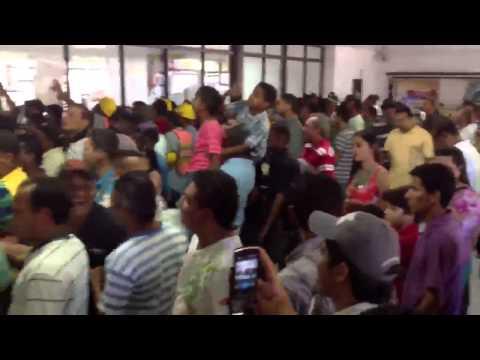 Los Seguidores Cantando Diomedes Diaz