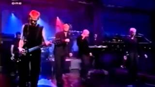 Chumbawamba - Tubthumping (Live at David Letterman Late Show)