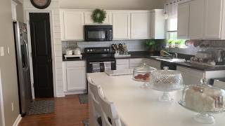 JOANNA GAINES INSPIRED KITCHEN MAKEOVER ON A BUDGET.
