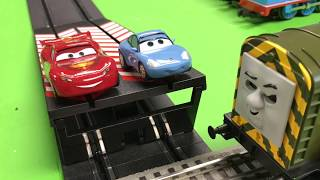 Lightning McQueen & Sally Disney Slot Cars vs Iron Bert Thomas Trains for Kids