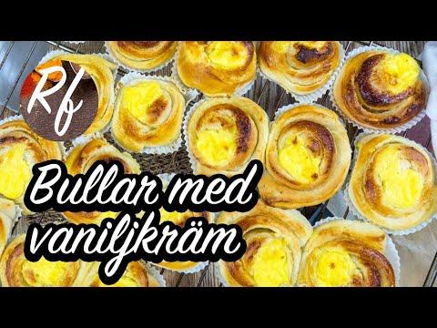 Bullar eller snäckor toppade med hemgjord vaniljkräm. Bakas som kanelbullar eller snäckor - vetebullar - fast utan kanel med bara socker och smör som första fyllning sedan toppas de med en klick vaniljkräm.>