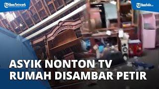 Lagi Asyik Nonton TV saat Hujan, Rumah Warga Sragen Disambar Petir, Genting Porak Poranda