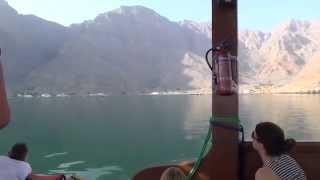 preview picture of video 'Ausflug Khasab Oman  Traditionelle Bootsfahrt durch die Fjordwelt 18'