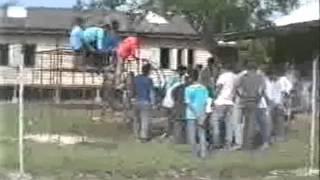 preview picture of video 'gotong royong surau transit quarters kuantan 1991.wmv'