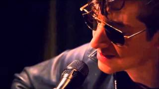 Alex Turner - Love Is A Laserquest (Inglés/Español)