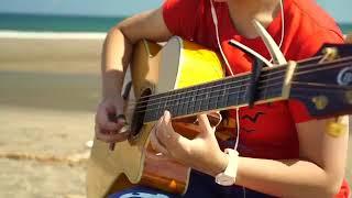 Cewek Cantik Main Gitar Lagu Despacito