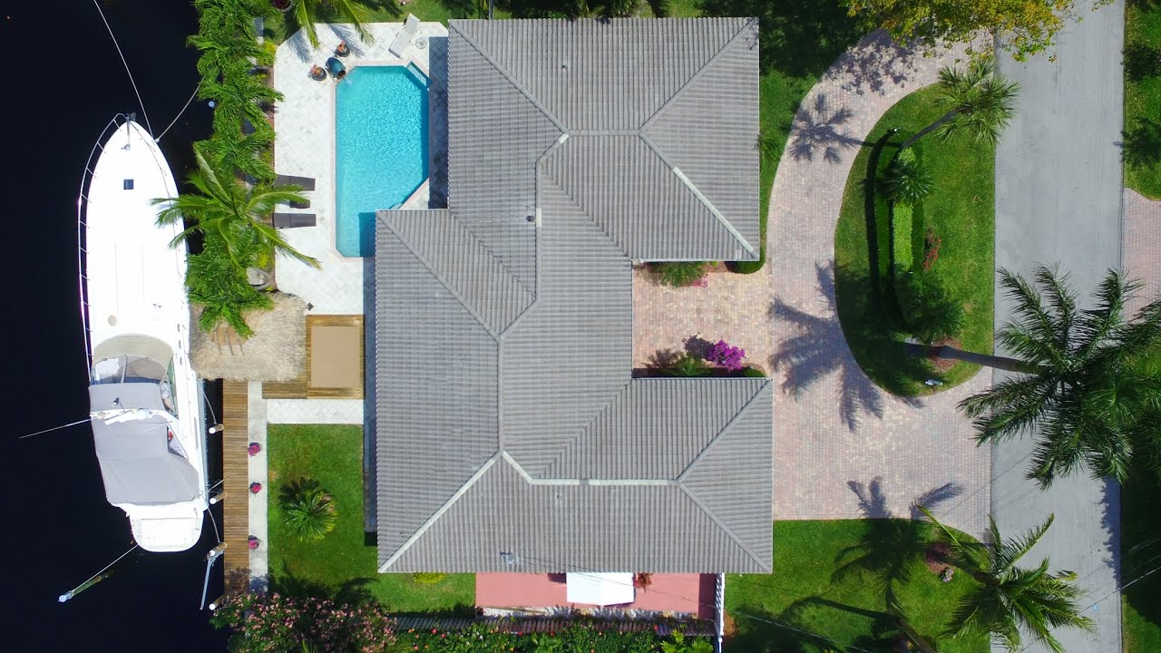 2857 NE 27th St | Waterfront Home in Coral Ridge
