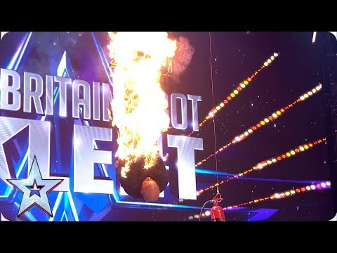 Jonathan Goodwin SETS HIMSELF ON FIRE in unthinkable escape act! | Auditions | BGT 2019 (видео)