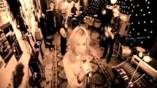 The Reborn Identity - R.E.M. vs Annie - Heartbeat Crushed (mashup)