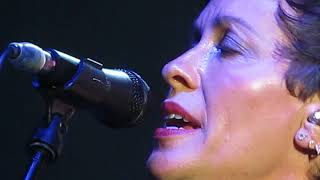 alanis morissette - perfect (live in london, england)
