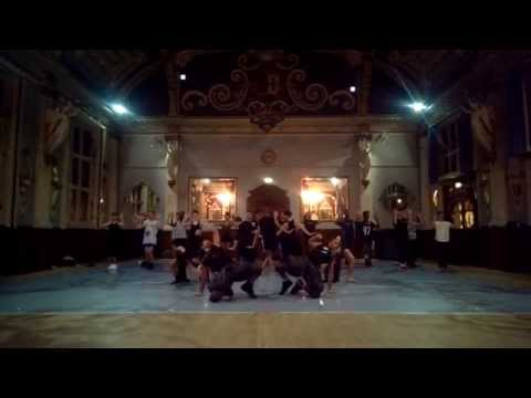 Lady Gaga – Applause – Choreographed by Dean Lee