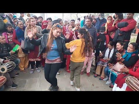 बुडि पोइल गयसी निदाइन तिमिले रुन पर्दैन सम्झेर बबाल नाच हेर्नुस् live dohori 2077