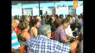 preview picture of video 'Preside Raúl Castro intercambio con productores agrícolas'