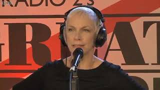 Annie Lennox God Rest Ye Merry Gentlemen Live On The Simon Mayo Show 2010