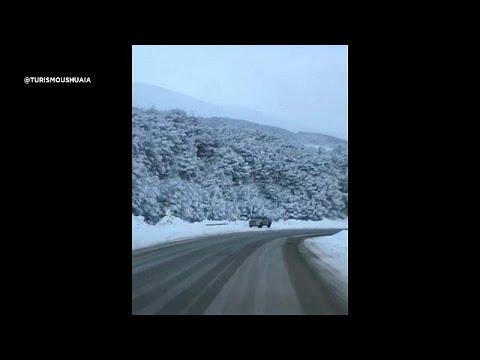 العرب اليوم - شاهد: الثلوج تغطي