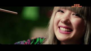 Jannine Weigel Talks About Her Music Career While Painting Her Next Album Cover (Asia Spotlight)