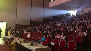 Dương Hoàng Yến hát live Không Phải Em Đúng Không cực hay với sinh viên