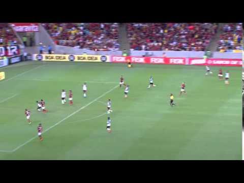 Diego Souza no gol do Sport